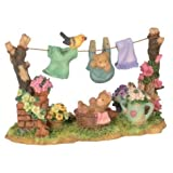 Wl 3 Inch Clothes Line With Playful Teddy Bear And Baby Bear Figurine