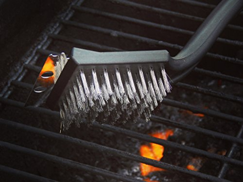 Best Price 17 Inch Barbeque Brush Equipped with Metal Bristles and Steel Scraper BBQ Cleaning Brush
