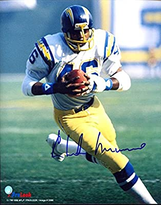 Chuck Muncie (D.2013) Autographed/ Original Signed 8x10 Photo Showing Him w/ the San Diego Chargers