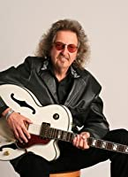 guitarist. Buzzy Martin