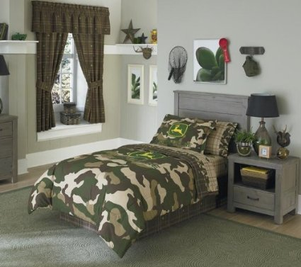 13Pc John Deere Green Brown Camouflage Tractor Queen Comforter Set (Full Set Includes One Comforter, 2 Sheet Sets, 1 Bedskirt, 1 Window Valance And 2 Shams (13Pc Bed In A Bag) **Brand New-Save On Bundling**