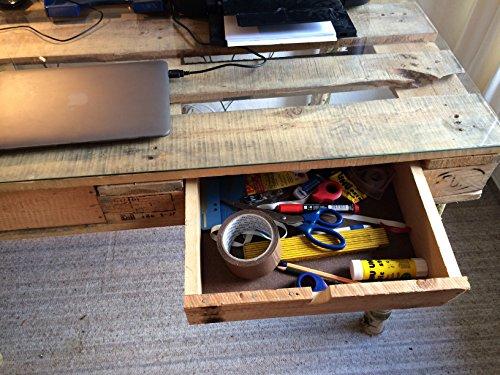 Schreibtisch aus einer Palette – Birkenfüße – Glasplatte ...