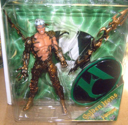 MAC-Witchblade-Kenneth Irons GOLD variant figure - 1