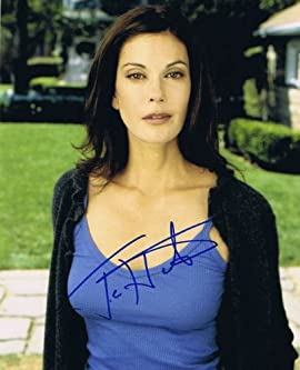 TERI HATCHER - Desperate Housewives AUTOGRAPH - Signed 8x10 Photo