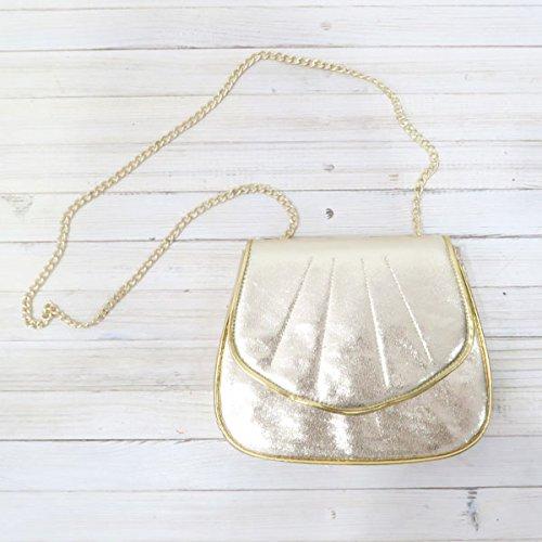 Amazon.co.jp: (リリーブラウン)Lily Brown シェル型ミニポーチ lwgb152313 ゴールド F: シューズ&バッグ:通販