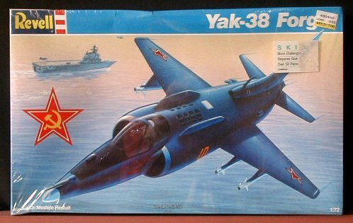 Yak-38-Forger-Aircraft-Kit-172-1989-by-Revell