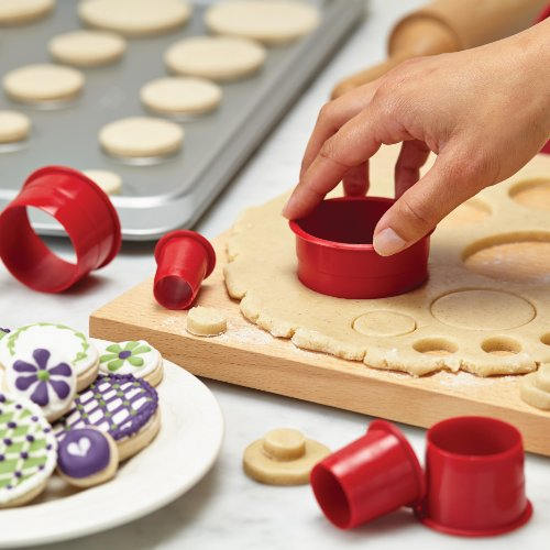 Cake Boss Edible Images : Cake Boss Decorating Tools 9-Piece Round Fondant and ...