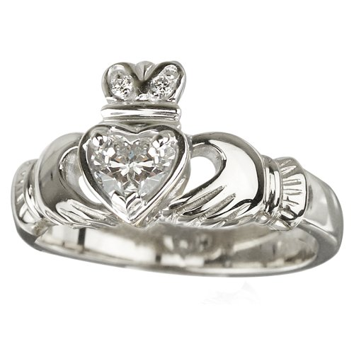 anniversary gift idea a claddagh ring