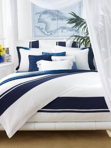 navy blue and white striped bedding the versatile bedroom decor option. Black Bedroom Furniture Sets. Home Design Ideas
