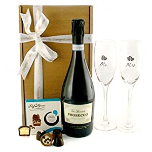 Wedding Gift Ideas Amazon : Wedding GiftsMr and Mrs Prosecco and Chocolates Gift Champagne ...