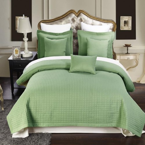 6 Piece Cal King Size, Sage Color, Super Luxurious Wrinke Free Reversible Checkered Coverlet / Quilt Bedding Ensemble Set With Decorative Pillows front-1009562