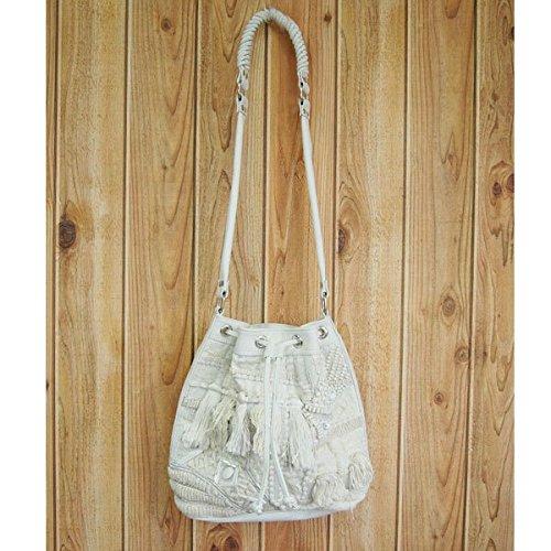 Amazon | (ローズバッド)ROSE BUD METAL MA MADE 巾着ポシェットバッグ 139416 WHITE  ONE | ショルダーバッグ