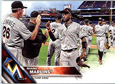 2016 Topps Series 2 #404 Miami Marlins Miami Marlins Baseball Card-MINT
