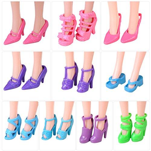 10 accoppiamenti MESCOLA Moda scarpe diverse stivali tacchi alti sandali per Barbie Doll Outfit
