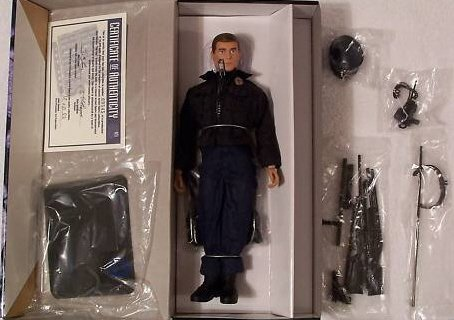 Buy Low Price ERTL 1:6 Scale Real Heroes Top Cop Police Officer 12″ Fully Poseable Action Figure (1998 Ertl) (B003E40CQ6)