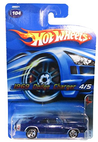 Hot Wheels 2005-104 1969 Dodge Charger 4/5 Muscle Mania 1:64 Scale - 1