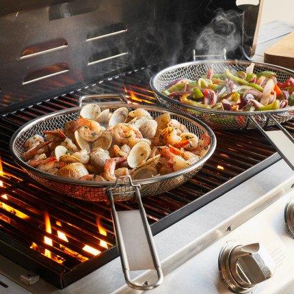 Sur La Table 2-In-1 Mesh Grill Pan Set CC9814