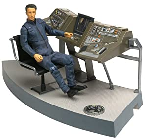 Star Trek Enterprise Broken Bow Lt Malcolm Reed Deluxe Action Figure