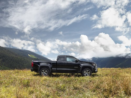 classic-and-muscle-car-ads-and-car-art-chevrolet-colorado-z71-extended-cab-2014-car-art-poster-print