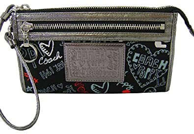 Coach Graffiti Hearts Poppy Signature Zip Wallet Clutch Wristlet Bag