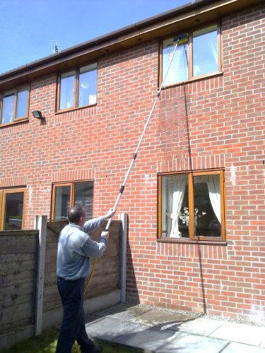 18FT WATER FED WINDOW CLEANING POLE & SOFT BRUSH HEAD