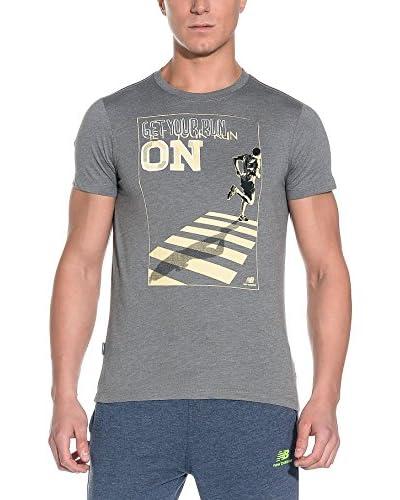 New Balance T-Shirt Manica Corta [Marrone]