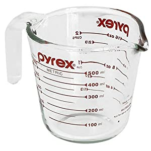 Pyrex Prepware 2-cup glass measuring cup with red measurements