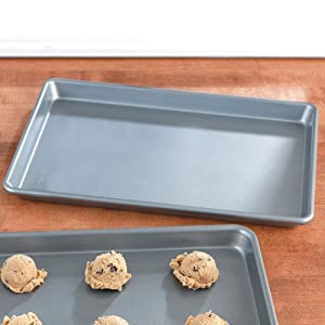 Chicago Metallic Bakeware, Jelly Roll Pan: Medium