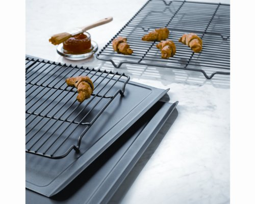 Calphalon Classic Bakeware Cookie and Cooling Rack combo