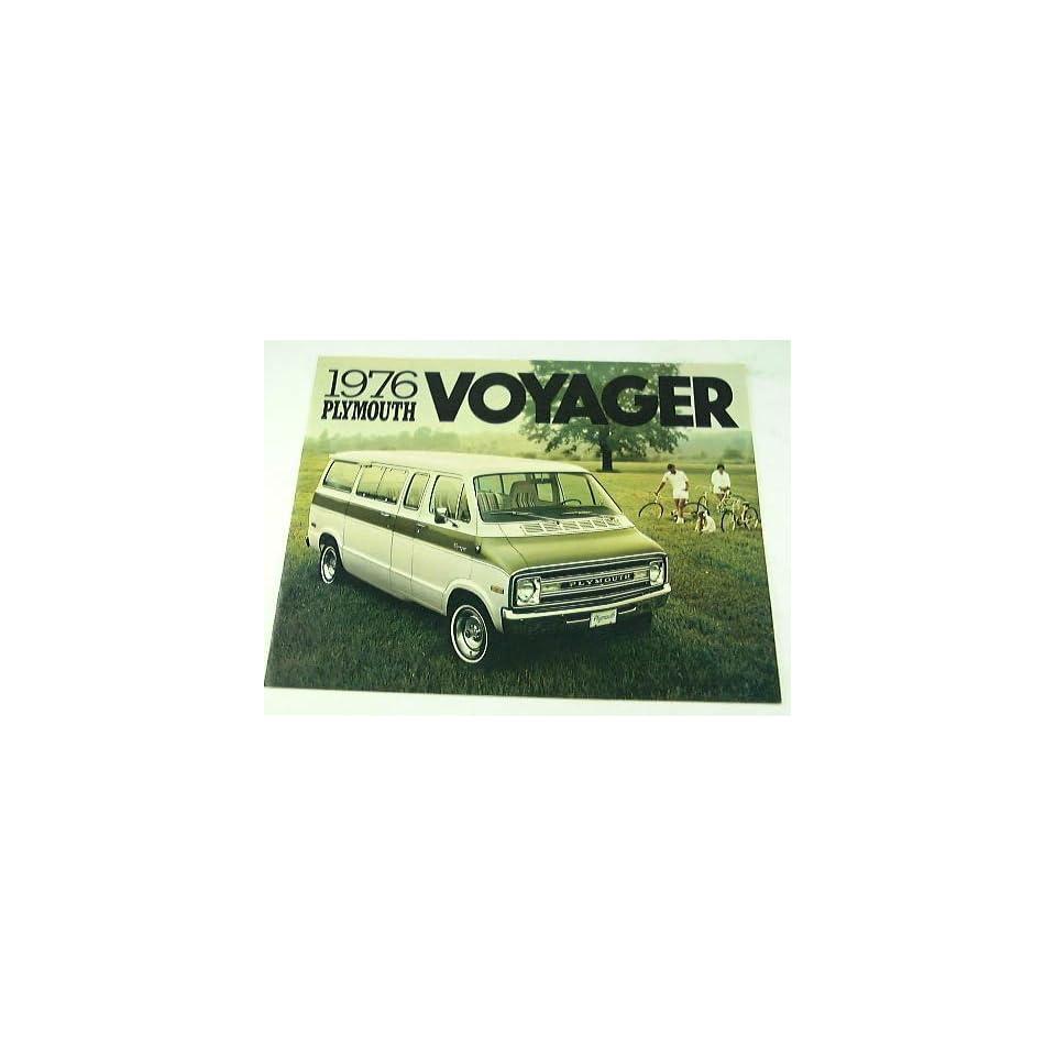 1976 76 Plymouth VOYAGER Van BROCHURE PB100 PB300 PB200