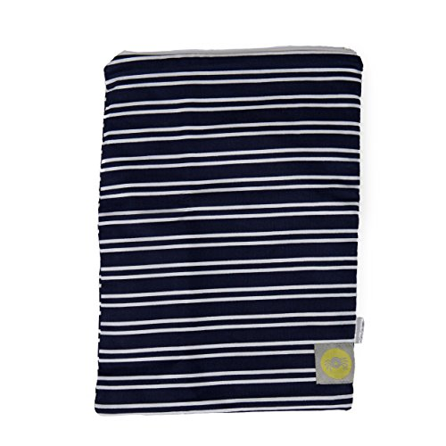 itzy-ritzy-travel-happens-bolsa-ropa-mojada-navy-stripe