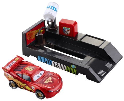 Buy Low Price Mattel Cars 2 Pit Stop Launchers Lightning McQueen Figure (B004IYJ9RE)