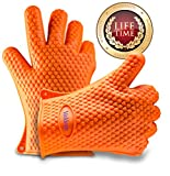 Valdeen(TM) Most Flexible Silicone Heat Resistant Gloves Available -STOP BURNING YOUR HANDS - Ideal For All Kitchen & BBQ uses, Can be used as Oven Mitts - Pot Holders - Fire Place Gloves - Grill Gloves - Perfect For Opening Tough Jars - Cleaning Dishes - Changing light bulbs