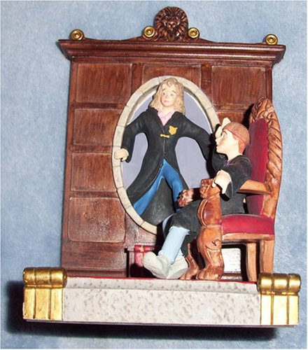 Picture of Hallmark Harry Potter Hermione Granger Through a Wall Portrait Figure (B001ID76D2) (Harry Potter Action Figures)