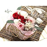 翌日配達お花屋さん 可愛いバスケットに入った、真紅のバラと白バラが「おめでとう」を伝えます。結婚のお祝いにぴったり! 【送料無料】ローズバスケット(結婚祝い用・プリザーブドフラワー・バラ) [送料無料・即日発送]  誕生日・記念日・お祝い・結婚祝い・お見舞い・歓送迎会・結婚祝いお礼の花の配達便! 正午までのご注文は翌日配達【配達日指定不可】
