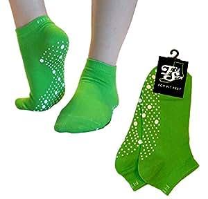 Pilates, Yoga, Martial Arts, Fitness, Dance, Barre. Anti-slip / Non-slip, Falls Prevention Grip Socks, Sox (Green/White)