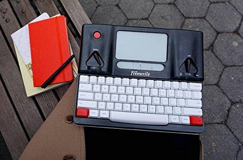 Freewrite フリーライト 日本語対応、最大4週間持続のバッテリーでどこでも執筆 シンプルなメカニカルキーボードとE-inkのディスプレイを搭載したこのスマートタイプライター [並行輸入品]