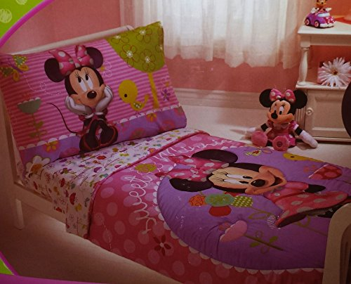 Disney Minnie Mouse 4-Piece Toddler Bedding; Bed Set
