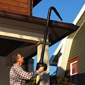 cleaning gutters with shop vac