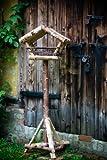 Vogelhaus / Futterhaus Birkenvogelhaus mit Weide, Höhe: ca. 128 cm aus Birke mit Ständer