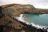 Beautiful Green Sand Beach in Hawai (Photo Gallery): (Photo Books,Photo Album,Photo Display,Photo Journal,Photo Magazines,Photo Story,Photo Traveler,Travel Books,Travel Photos)