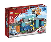 LEGO Disney Planes Skipper's Flight School from LEGO