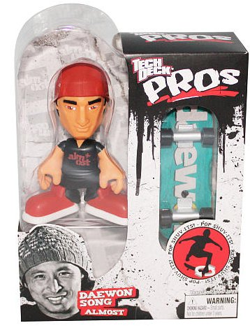 Tech Deck Pro Skater Action Figure with Skateboard Daewon Song Almost - 1