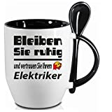 lustige wanduhr karikatur elektriker k che haushalt. Black Bedroom Furniture Sets. Home Design Ideas