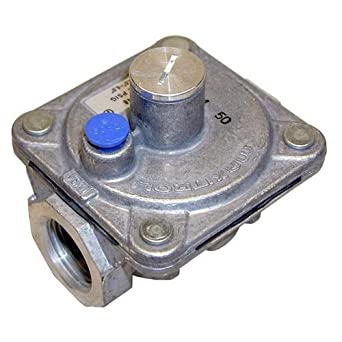 """Maxitrol Pressure Regulator for Natural Gas, 3/4"""" FPT Gas Pipe In/out,1/2"""" PSI 3"""" -6 """" WC. 52-1011"""