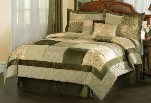 Green Garden Queen Comforter Set with 4 Bonus Pieces