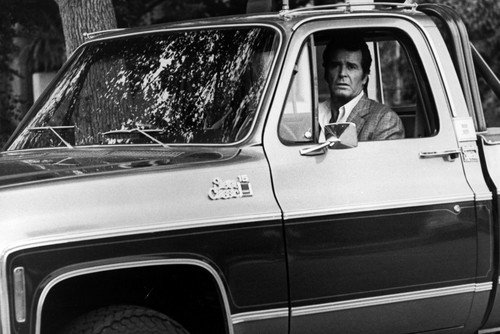 james-garner-in-the-rockford-files-gmc-sierra-classic-truck-24x36inch-60x91cm-poster