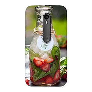 Delighted Strawberry and Basil Multicolor Back Case Cover for Moto G Turbo