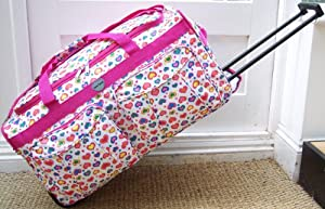 Travel Holdall Medium Luggage Bag On Wheels White and Pink hearts trolley wheeled
