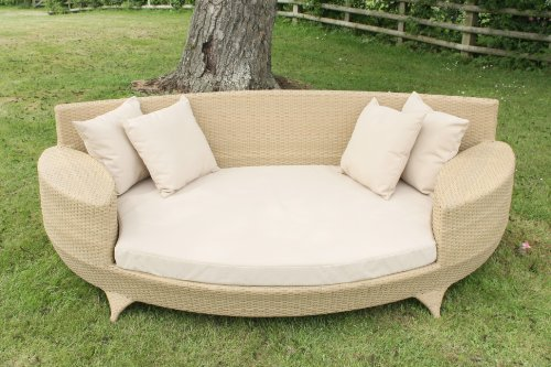 Love Sofa / Day Bed Natural Coloured All Weather Synthetic Rattan Garden Furniture Lounger